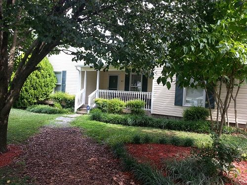 image of Front Walk and Yard
